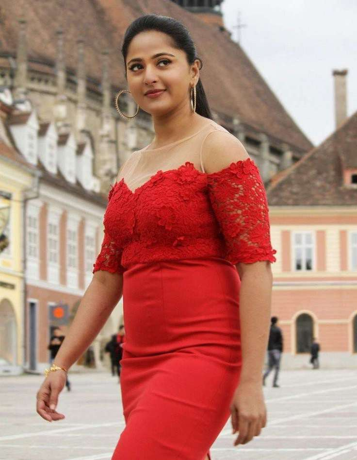 anushka-shetty-photos.jpg